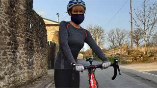 cyclist wearing mask